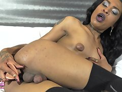 Beautiful Diamond TiJahe`s Big Dildo!